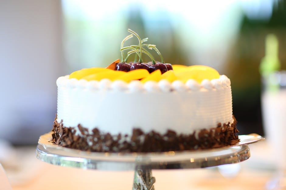 upieczony kolorowy tort